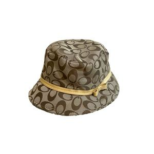 G brown taupe bucket hat w/ faux leather bow strap